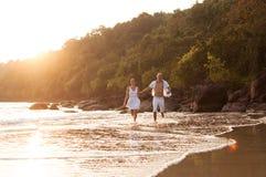 Histoire d'amour sur la plage Image libre de droits