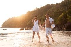 Histoire d'amour sur la plage Image stock