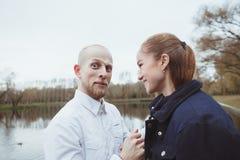 Histoire d'amour tirée d'un couple Images stock