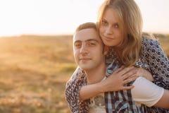 Histoire d'amour d'un jeune couple Image libre de droits