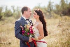 Histoire de mariage et d'amour en nature Photo stock