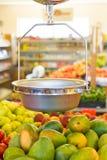 Histoire intérieure d'épicerie d'échelle. Photos stock