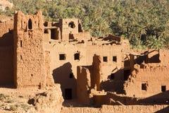 Historia antigua todavía permanente sí mismo en medio del oasis de Tinghir Fotos de archivo libres de regalías