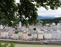 Historia av Salzburg i berget fotografering för bildbyråer