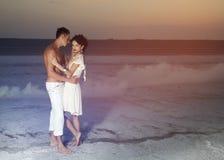 Historia de amor de pares hermosos jovenes fotografía de archivo