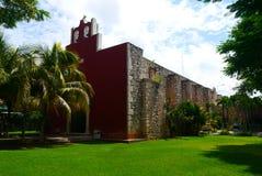 Historia mexicano de la arquitectura de Merida Churbunacolonial de la iglesia fotografía de archivo