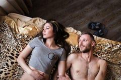 Historia miłosna w łóżku Obrazy Royalty Free