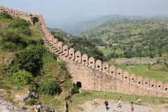 Historic architecture, boundary wall of kumbhalgarh fort Royalty Free Stock Photos