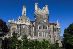 Free Historic Castle Casa Loma, Front Side. Old House Doors. Sunny Day Blue Sky Stock Photography - 184818012