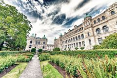 Historic parliament building in the citycenter of Victoria with Royalty Free Stock Images
