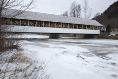 Historic white covered bridge, Ammonoosuc River, Stark, New Hamp Stock Photos