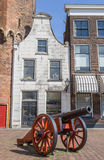 Historical cannon in front of a white house in Zwolle Stock Images