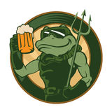 Historieta de la rana con la cerveza Imágenes de archivo libres de regalías