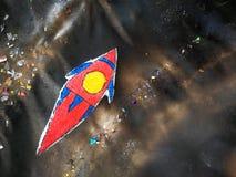 Historieta del artículo de la nave espacial en tablero del estudiante fotos de archivo libres de regalías