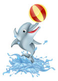 Historieta que salpica el delfín que juega con la bola Imágenes de archivo libres de regalías