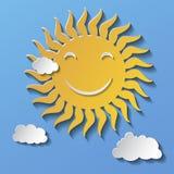 Historieta sonriente Sun del diseño plano aislado en fondo azul libre illustration