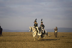Historii fan w militarnych kostiumach reenacts bitwę Trzy cesarza Zdjęcie Royalty Free