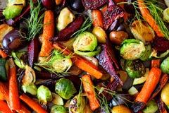 Historique complet des légumes rôtis d'automne images stock