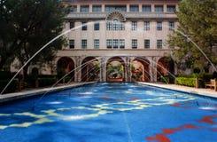 Historisch Beckman-Instituut op de campus van Caltech in Pasadena, Stock Afbeeldingen