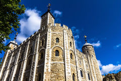 Historisch der weiße Turm am Tower von London historisches Schloss am nördlichen Ufer der Themses in zentralem London Stockbilder