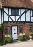 Historisch Engels plattelandshuisje Stock Foto's