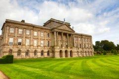 Historisch Engels Waardig Huis Royalty-vrije Stock Foto's