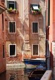 Historisch huis in Venetië stock afbeeldingen