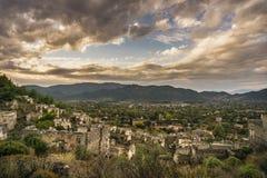 Historisch Lycian-dorp van Kayakoy, Fethiye, Mugla, Turkije Spookstad Kayaköy, die in vroeger tijden als Lebessos en Lebessus wo stock afbeelding
