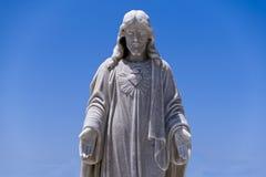 Historisch Mannelijk Standbeeld met Blauwe Hemel royalty-vrije stock afbeelding