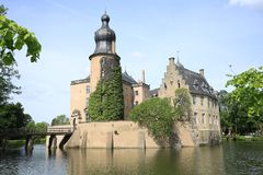 Historisch moated Kasteel Gemen in Bocholt, Duitsland Stock Foto's