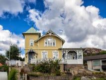 Historisch oud blokhuis in Lysekil, Zweden Stock Foto's