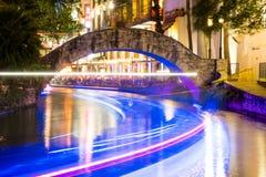Historisch San Antonio River Walk bij Nacht Stock Foto