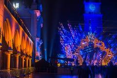 Historisch Stadhuis op het Belangrijkste Marktvierkant in Krakau tijdens de viering van de inwoners van het Nieuwjaar Stock Afbeeldingen