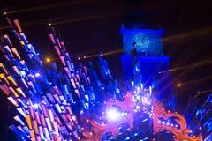 Historisch Stadhuis op het Belangrijkste Marktvierkant in Krakau tijdens de viering van de inwoners van het Nieuwjaar Stock Foto's