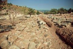 Historisch stadsgebied met geruïneerde muren van Grieks-Roman stad Ephesus Stock Foto
