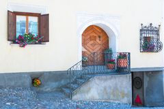 Historisch verfraaide huizen in Zwitserland Graubunden Royalty-vrije Stock Foto