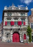 Historisch wiegen Sie Haus in der alten Mitte von Haarlem Lizenzfreies Stockbild