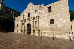 Historische Alamo, dichtbij Zonsondergang. Stock Foto's