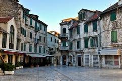 Historische alte Stadt der Spalte in Kroatien Lizenzfreie Stockfotos