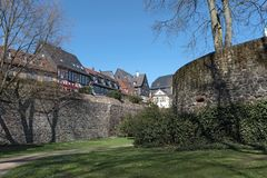 Historische alte Stadt Frankfurt-Hoechst mit Fachwerkhäusern stockfotografie
