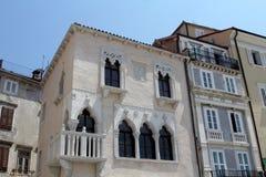 Historische architectuur van Piran, Slovenië Stock Afbeeldingen