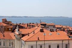 Historische architectuur van Piran, Slovenië stock foto