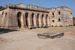 Historische Architektur, hindola mahal Stockbild
