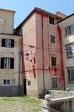 Historische Architektur von Piran, Slowenien stockbilder