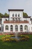 Historische Badehaus met park in Slechte Soden, Duitsland royalty-vrije stock foto