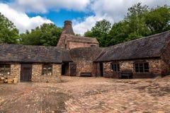 Historische Baksteen die Fabriek in Shropshire, Engeland maken stock afbeeldingen