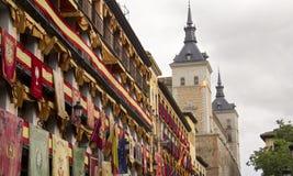 Historische banners in Toledo, Spanje stock foto