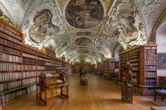Historische bibliotheek van Strahov-Klooster in viena stock fotografie
