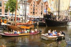 Historische boten in Groningen En gemaakt tot deze kleine stad voel grote groter Stock Foto's