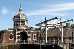 Historische Brücke und Tor des abgehobenen Betrages Lizenzfreie Stockfotografie